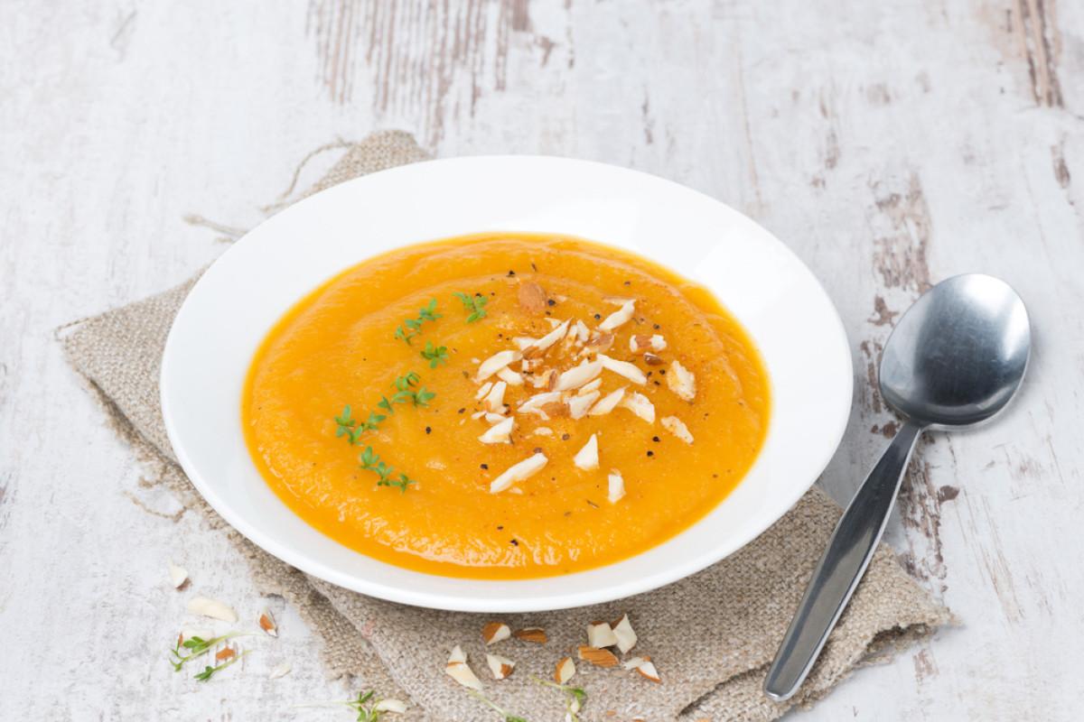 Paleo Caramelized Carrot Soup