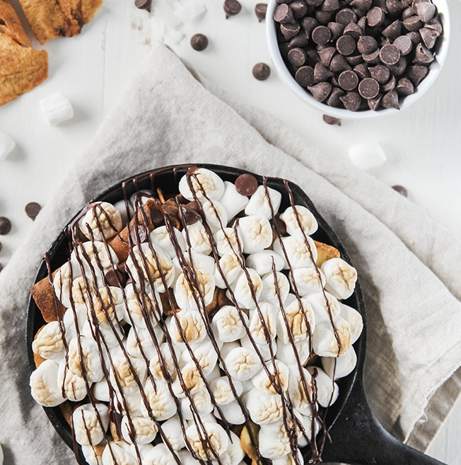 Dessert Nachos - Artisan Tropic is a family with a passion for making the best tasting and most nutritious plantain and cassava chips. Artisan Tropic Plantain Strips and Cassava Strips contain only three ingredients or less! They have no preservatives or artificial flavors. #paleo #certifiedpaleo #paleovegan
