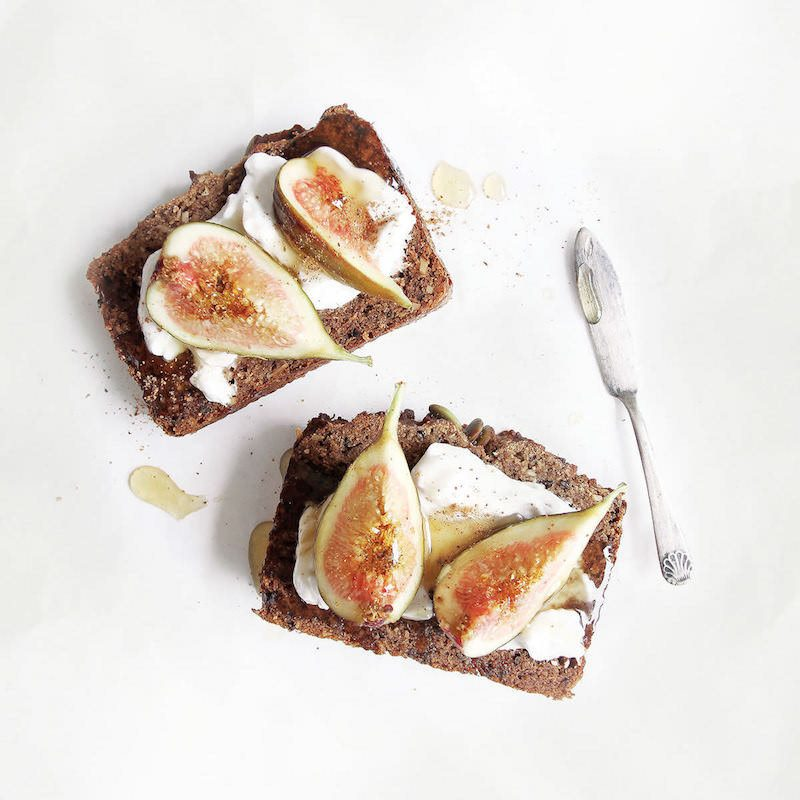 Banana-Loaf-Caramalised-Figs-with-COYO-Coconut-Yoghurt-1