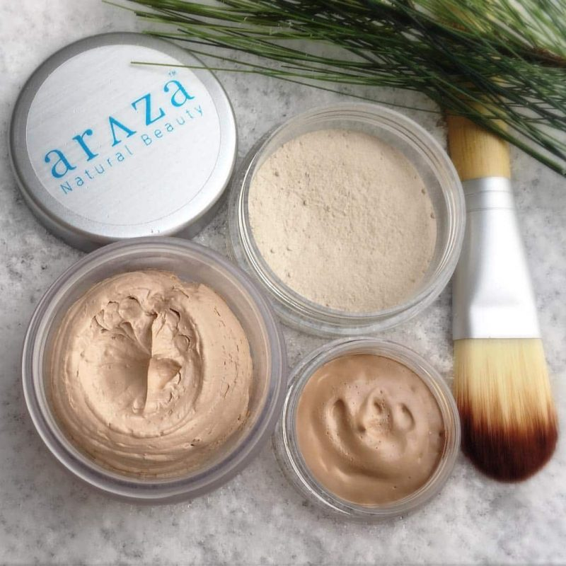 Foundation and Bamboo Brush - Araza Beauty Paleo Makeup - Paleo Beauty is Araza's Beauty Philosophy. It is our belief that simplicity and health should be a top priority when formulating and choosing beauty products. We use whole foods, like healthy fats and organic plants, to feed and heal our bodies and believe the products you put on your skin should do the same. #paleo #certifiedpaleo #paleovegan